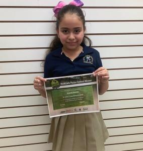 WalkSafe Poster Winner Arabella Gonzalez, 1st grade